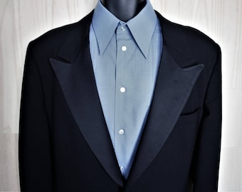 First Nighter Tuxedo Jacket/ c. 1970s/ Men's Vintage Formal Wear/ Black Wool Dinner Jacket