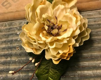 Floral Hair Comb ---Gorgeous Hair Flower-Wedding Hair--Bride's Hair--Maternity Hair Flowers-Flowers for Hair--Flower for Hair