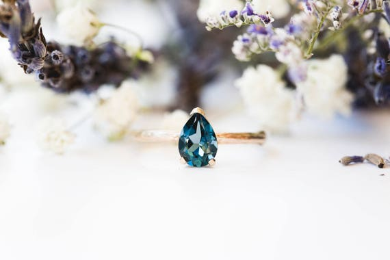 London blue topaz 14k gold classic engagement ring, solitaire blue topaz engagement ring, vintage inspired twig engagement ring