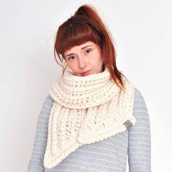The Fern • Open-Ended Scarf • Crochet Chunky Knit • Colour: VANILLA