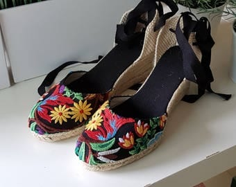 Lace-up espadrille wedges - EMBROIDERY COLLECTION - mumishoes - made in spain