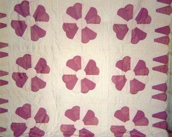 DRESDEN PLATE vintage quilt