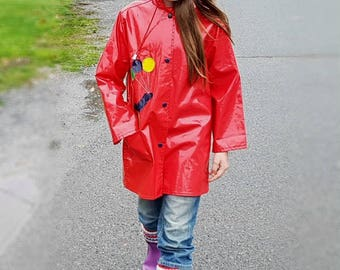 Vtg 80 Red Rain Jacket ISPO Girls or Boys Hooded Snap up Coat with Colorful Balloons & Waterproof