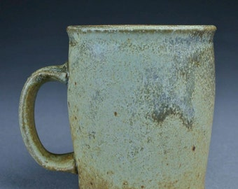 Handled mug (short)