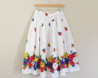 Vintage 1980s White Floral Circle Skirt/70s 80s Skirt/Medium Large