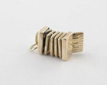 Vintage 14K Yellow Gold Charm Pendant - 3D Moveable Accordion