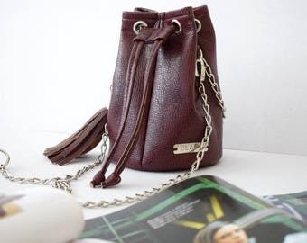 READY TO SHIP/ Ruby textured bucket bag, red bucket bag, vegan leather purse, drawstring bag, leather handbag, women bag, small bucket bag