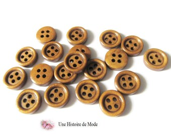 20 11 mm Brown wooden buttons