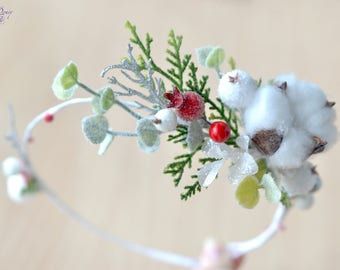 Christmas hair wreath Wedding Christmas crown Flower Girl Winter woodland halo Christmas wreath Cotton flower crown Winter bride  wreath