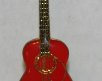 Vintage Glen Campbell Red Guitar Enamel Pinback button pin hat lapel