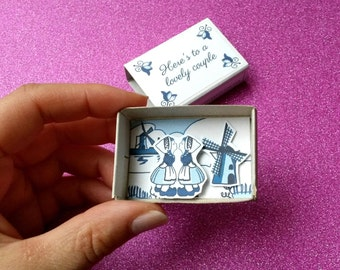 Gay wedding card / Same sex marriage / Cute matchbox / Delft blue / Mr and Mr / Lesbian card / Dutch couple kissing / LGBT card / Pride