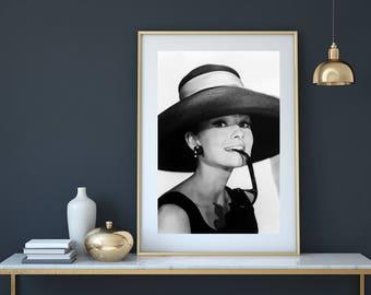 Audrey Hepburn, Audrey Hepburn Print, Audrey Hepburn Art, Breakfast At Tiffany ,Fashion Print, Hat print, vintage prints, iconic photos,