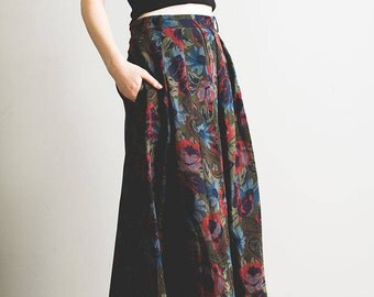 Dark green and red floral paisley print pleated wool skirt // Daks London // Made in the UK