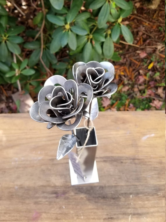 Two Metal Roses and Vase, Two Recycled Metal Roses with Vase, Two Welded Roses, Two Steampunk Roses Centerpiece, Two Roses Gift