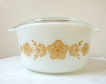 Vintage Pyrex 472 B Butterfly Gold 1-1/2 Pint Covered Casserole