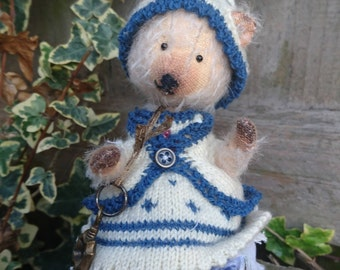 Lucy - Artist bear, Collectible Bear, Vintage Toy