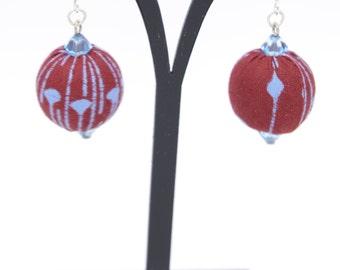 Earrings in Burgundy and blue wax fabric