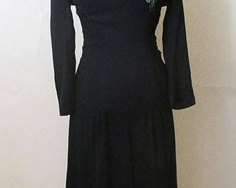 Charming 1940's Black crepe Party Dress with sequined floral appliqué Old Hollywood Glamor Rockabilly Pin Up Girl Size Small