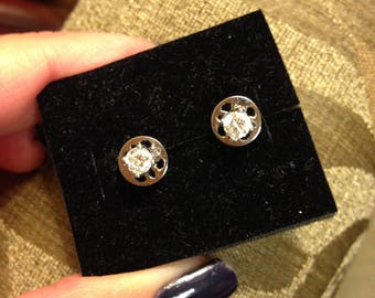 Antique 18k Gold Earrings. 0.5ct Genuine Diamonds. HSI 1 Clarity. Comes with Certificate.