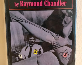 Marlowe by Raymond Chandler Vintage Pocket Books Paperback, 1969 Movie Tie-In