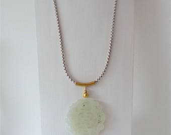 Long chain with large, Chinese jade pendant