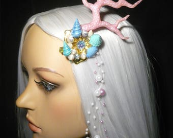 Coral Dreams - wonderfull Hairdress with pearlescent Coral and Seashells