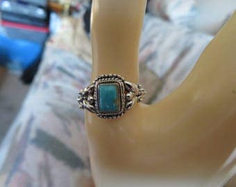 New Handcrafted Natural Turquoise Stone 7x5mm Sterling Silver 925 Ring Size 9. Wt. 3.9 Grams