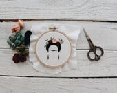 Frida Kahlo Embroidery // Frida Embroidery Hoop // Frida Kahlo Art // Frida Florals Embroidery Hoop // Embroidery Design // Embroidery Hoop