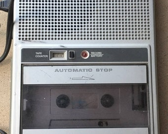 how to make a cassette tape player