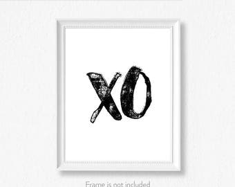 XO print / Kiss wall decor / Black and white wall art / Scandinavian style / Giclee art / Choice of colors /