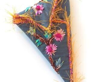 Etui à ciseaux brodé motif fleurs - rangement pour ciseaux en tissu