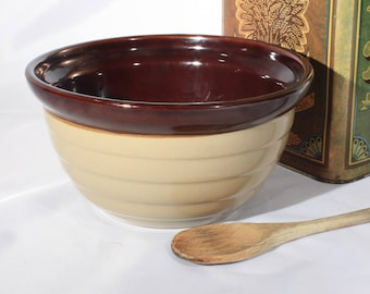 Early Monmouth Maple Leaf Ribbed Mixing Bowl, Brown and Beige, Baking Utensils, Vintage, Antique Pottery