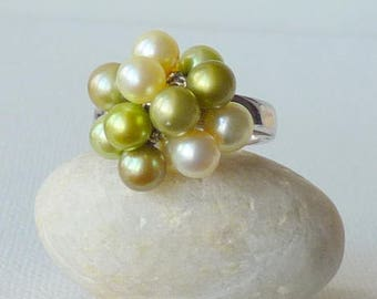 Sterling Silver Pearl Ring  Green Pearls Cluster Dangle Ring Vintage Pearl Ring, Size 7 Pearl Ring, Dangle Ring,  Modern Ring, Pearl Jewelry