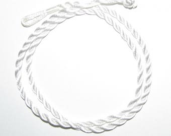 1 x White satin rope necklace cowl