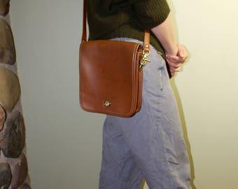 Trendy Cognac Coach Vintage Messenger Bag