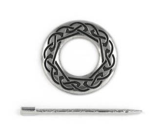 Celtic Shawl Pin : Pewter