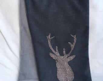 Grey fleece lined scarf with stag motif