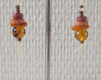 Brown pearls earrings glass and 16 felt
