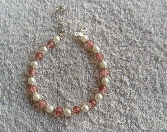 Bracelet pink and white beads
