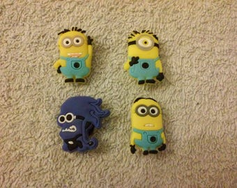 Lot 12 jibbitz Minions (badges for fangs)