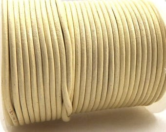 Cream by 0.5 m 2mm leather cord