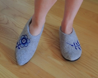 Felted slippers ROYAL COPENHAGEN pattern,boiled wool slippers, elf slippers, hygge home shoes, wool clogs,felt slippers,ECO,Christmas gift,