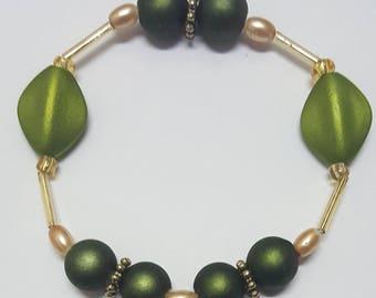 Bead Bracelet, Beaded Bracelet, Bead Jewelry, Beaded Jewelry, Stretch Bracelet, Stretch Jewerly, Green Beaded Bracelet, Green Bead Bracelet.
