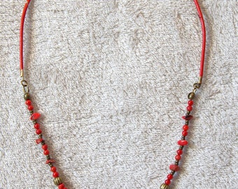 Red and bronze necklace