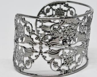 Lovely silver tone cuff bracelet