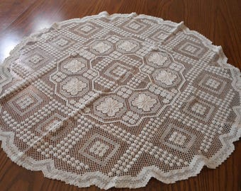 Vintage Netting Lace Table Topper