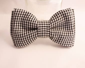 Bow tie black and white chicken foot