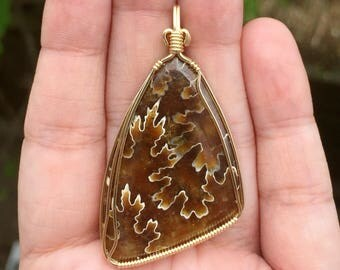 Ammonite pendant, Wire wrapped pendant, 14K gold filled wire, Oak leaf ammonite jewelry, Leaf pendant