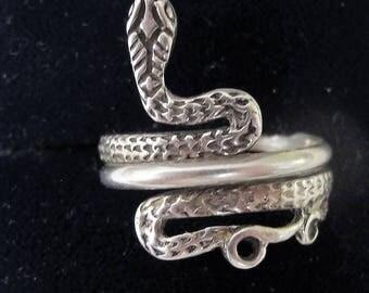 Sensational Vintage Solid Silver Snake Ring