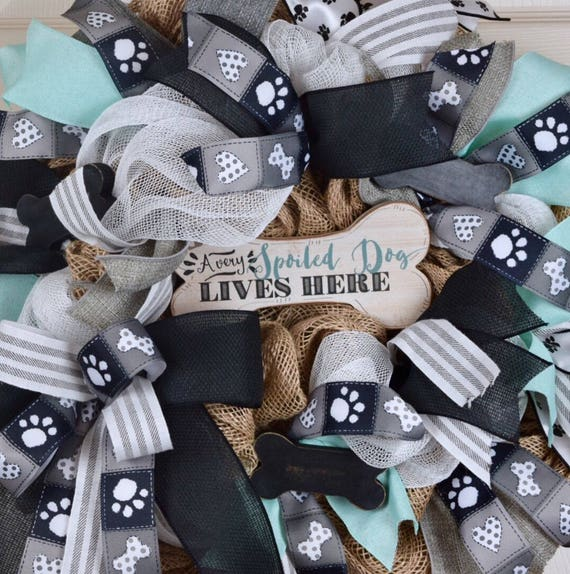 Spoiled Dog Lives Here Burlap and Mesh Wreath; Dog Wreath; Country Rustic Primitive Pet Decor Wreath; Pawprint Decor Wreath; Dog Bone Decor